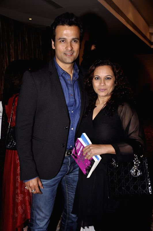 Actor Rohit Roy with his wife Manasi Joshi Roy during the launch of Fahad Samar`s book `Flash Point` at Palladium in Mumbai, on Feb. 8, 2015. - Rohit Roy and Manasi Joshi Roy