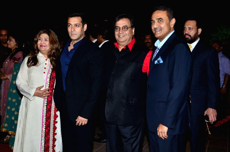 Actor Salman Khan with filmmaker Subhash Ghai and Nationalist Congress Party leader Praful Patel during Arpita Khan's marriage reception in Mumbai on November 21, 2014. - Salman Khan and Praful Patel