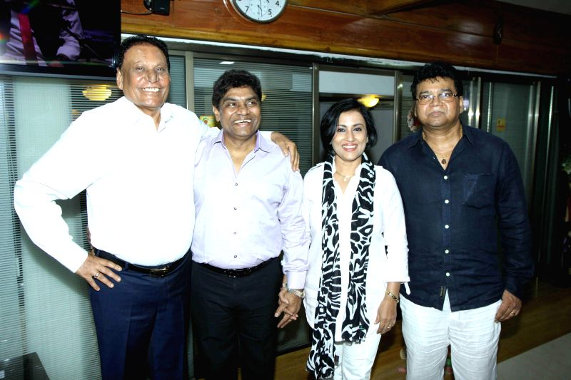 Actor Sangram Singh, singer Madhushree Bhattacharya, filmmaker C.G. Patel, actor Johnny Lever, filmmaker Anil Sharma and Robby Badal during the album launch of Bawara Na Ban in Mumbai, on ... - Sangram Singh, G. Patel, Sharma and Robby Badal