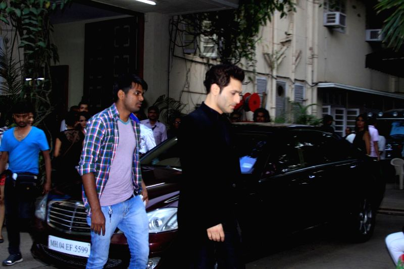 Actor Shiney Ahuja spotted shooting for film Welcome Back at Mehboob studios in Mumbai on 30th November, 2014