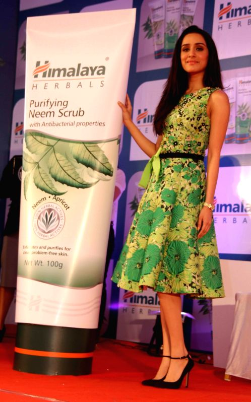 Actor Shraddha Kapoor at Himalaya Herbals attempt of Guinness Book of World Records for maximum facials in Mumbai on Saturday, November 29th, 2014.