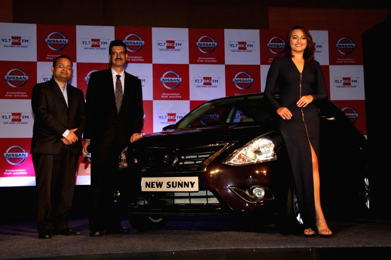 Actor Sonakshi Sinha, Arun Malhotra, MD, NMIPL and Ashwin Padmanabhan, National Bisiness Head- 92.7 BIG FM during the partnership between Nissan Sunny Sedan and 92.7 Big FM wherein listeners ... - Arun Malhotra