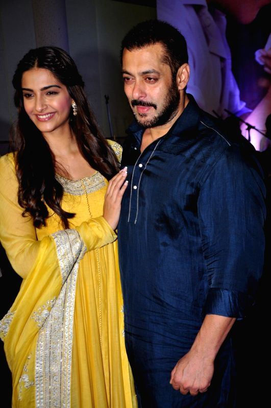 : Mumbai: Actor Sonam Kapoor and Salman Khan celebrate Diwali with Dharavi Rocks, a band of kids who make music out of waste materials in Mumbai on Nov 11, 2015. (Photo: IANS). - Salman Khan