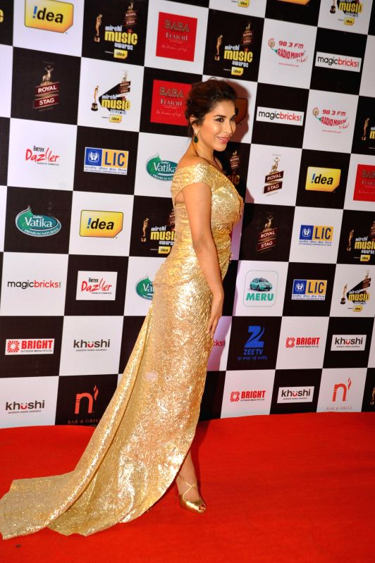 Actor Sophie Choudry during 7th Mirchi Music Awards in Mumbai on Feb 26, 2015. - Sophie Choudry