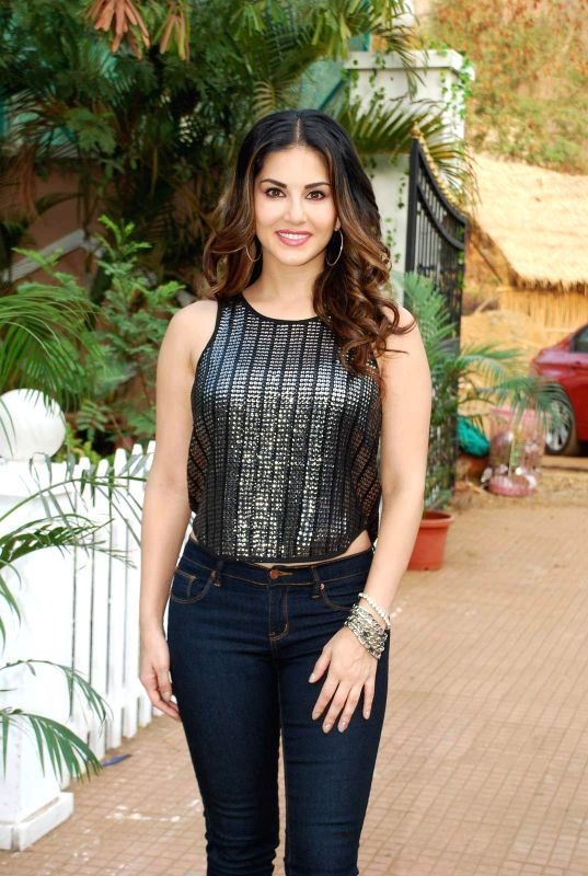 Actor Sunny Leone during the on location shoot of film Dangerous Husn in Mumba on March 27, 2015.