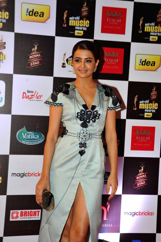 Actor Surveen Chawla during 7th Mirchi Music Awards in Mumbai on Feb 26, 2015. - Surveen Chawla