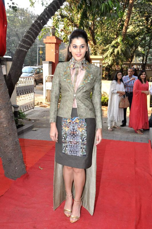 Actor Taapsee Pannu during the fashion preview at DVAR, in Mumbai on January 31, 2015. - Taapsee Pannu