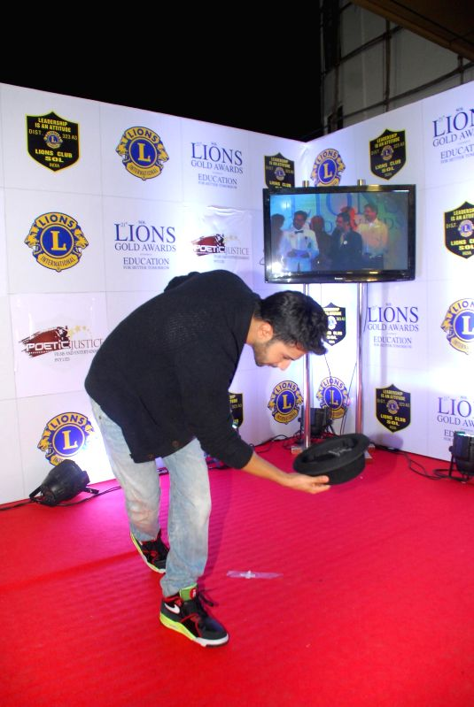 Actor Varun Dhawan during the Lions Gold Awards 2015 in Mumbai on Jan 6, 2015. - Varun Dhawan