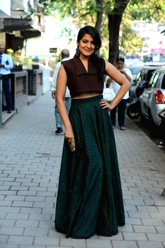 Actor Vishakha Singh during the launch of Spring Summer Collection 2015 by designers Tamanna Punjabi Kapoor and Shruti Sanchet in Mumbai, on March 13, 2015. - Vishakha Singh and Tamanna Punjabi Kapoor