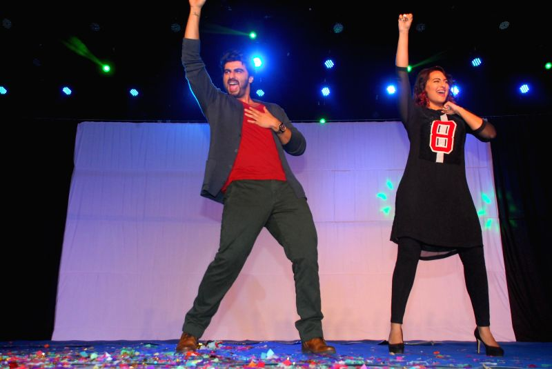 Actors Arjun Kapoor and Sonakshi Sinha during the promotion of their upcoming film Tevar, on Jan 2, 2015. - Arjun Kapoor and Sonakshi Sinha