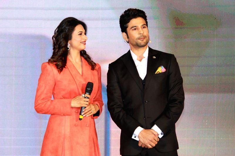 "Mumbai: Actors Divyanka Tripathi and Rajeev Khandelwal during the promotions of their web series ""Coldd Lassi Aur Chicken Masala"" in Mumbai on Aug 16, 2019."