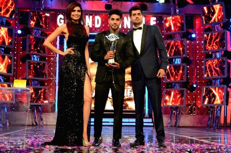 Actors Gautam Gulati, winner of Bigg Boss Season 8 with 1st runner-up Karishma Tanna and 2nd runner-up Pritam Singh on Jan. 31, 2015. - Gautam Gulati and Pritam Singh