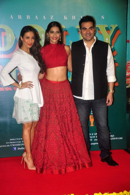 Actors Malaika Arora Khan, Sonam Kapoor and Filmmaker and actor Arbaaz Khan during the trailer launch of film Dolly Ki Doli in Mumbai, on Dec. 12, 2014. - Arbaaz Khan, Malaika Arora Khan, Sonam Kapoor and Filmmaker
