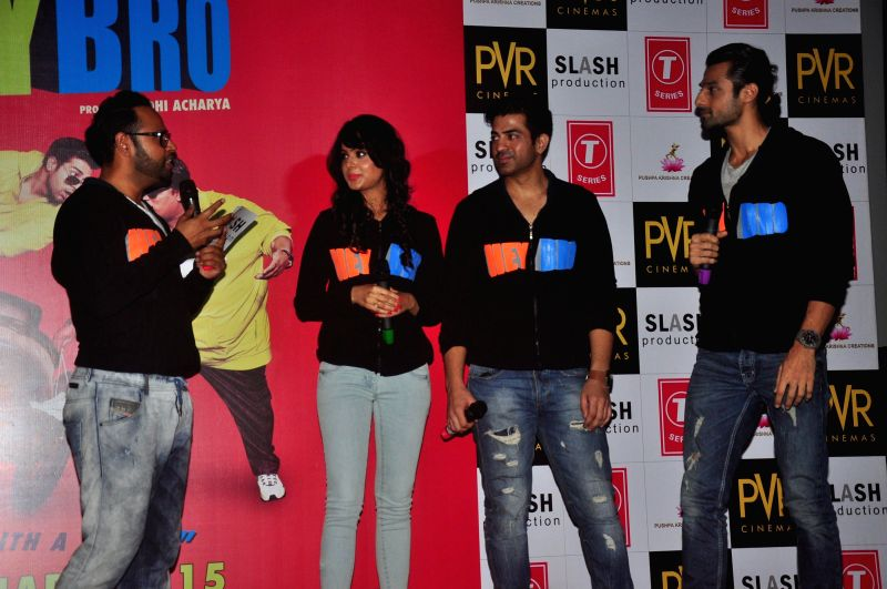 Actors Manindar Singh,Nupoor Sharma and VJ Andy during the trailer launch of film 'Hey Bro' in Mumbai on Jan. 15, 2015. - Manindar Singh and Nupoor Sharma