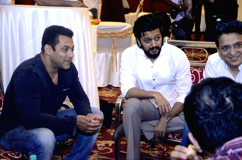 Actors Salman Khan and Riteish Deshmukh with filmmaker Sajid Nadiadwala during a seminar convened by MNS chief Raj Thackeray to discuss the controversial Mumbai Development Discussion (MDP) ... - Salman Khan and Riteish Deshmukh