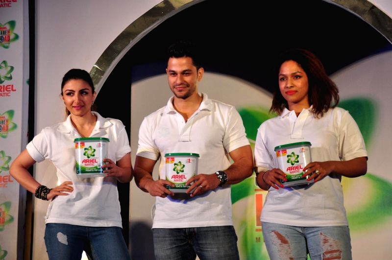 Actors Soha Ali Khan and her husband Kunal Khemu with fashion Designer Masaba Gupta - Soha Ali Khan and Masaba Gupta