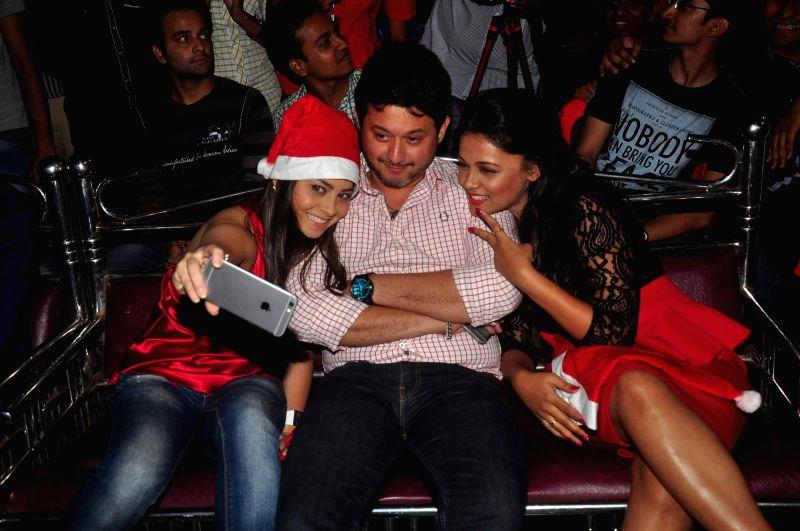 Actors Sonalee Kulkarni, Swapnil Joshi and Prarthana Behere during the promotion of marathi film Mitwa, in Mumbai on Dec 25, 2014. - Sonalee Kulkarni, Swapnil Joshi and Prarthana Behere