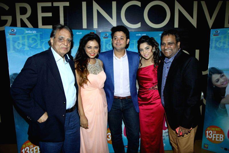 Actors Swapnil Joshi, Prarthana Behere and Sonalee Kulkarni during the premiere of Marathi film Mitwaa in Mumbai on 12th February 2013 . - Swapnil Joshi, Prarthana Behere and Sonalee Kulkarni