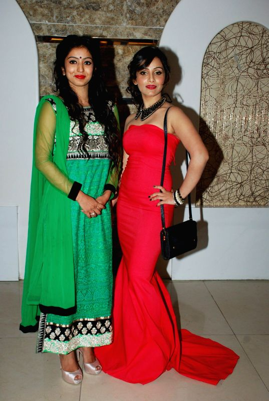 Actors Vaibhavi Joshi and Shanaya during the music launch of film Life Mein Twist Hai in Mumbai, on Nov 19, 2014. - Vaibhavi Joshi and Shanaya