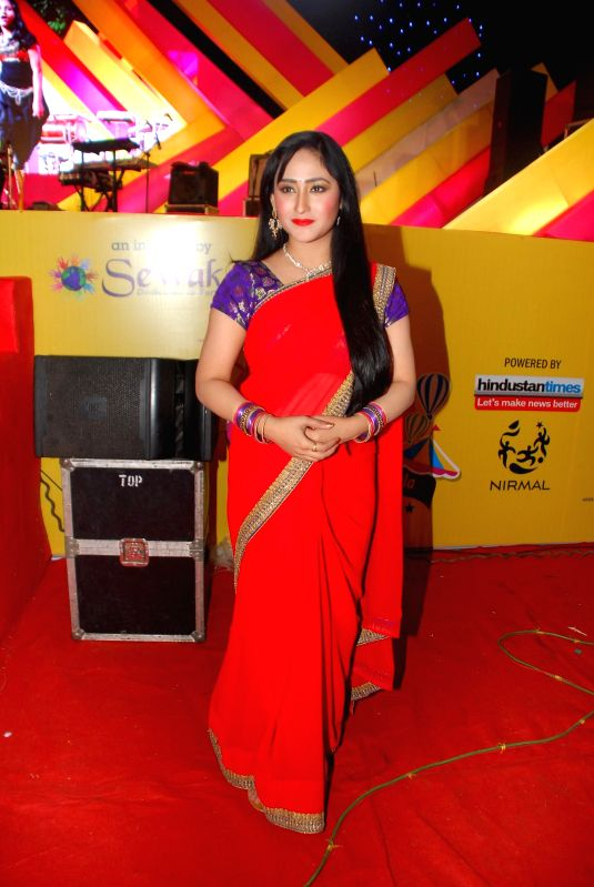 Actress Aditi Sajwan during Mulund Festival 2014 in Mumbai on Dec. 28, 2014. - Aditi Sajwan
