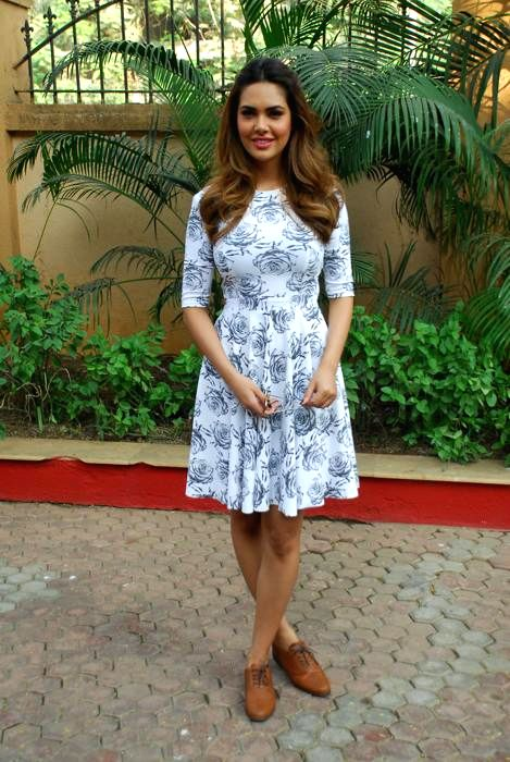 Actress Esha Gupta during the announcement of her performance at Country Club, Bangalore on the New Year's eve in Mumbai,on Dec. 24, 2014.