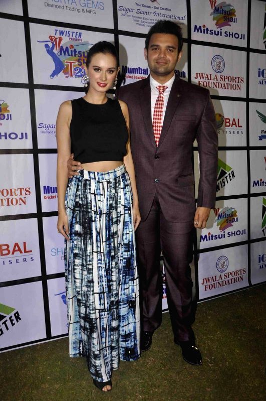 Actress Evelyn Sharma and actor Mahaakshay Chakraborty during the Mitsui Shoji T20 Cricket League 2015 organised by Sagar Samir International and Shaurya Jems in Mumbai, on April 27, 2015. - Evelyn Sharma and Mahaakshay Chakraborty