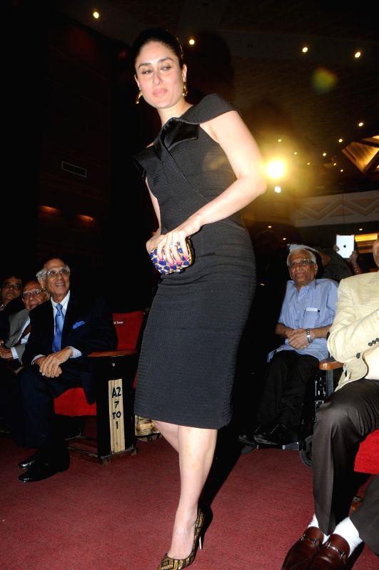 Actress Kareena Kapoor during the Diamond Jubilee year celebration of Kishinchand Chellaram College in Mumbai on 7th February 2015 - Kareena Kapoor