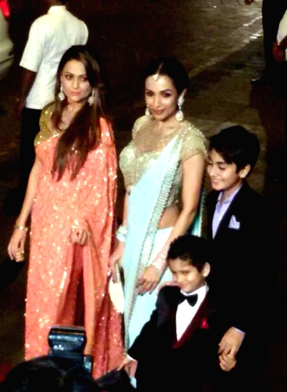 Actress Malaika Arora Khan during wedding reception of her sister-in-law Arpita Khan in Mumbai on Nov 21, 2014.  Arpita tied the knot with businessman Aayush Sharma on a star-studded Tuesday . - Arpita Khan, Aayush Sharma and Amrita Arora