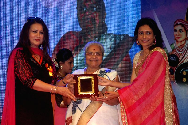 Actress Poonam Dhillon, Actress Lila Gandhi and Organiser Dr. Bhavna Raj during the `Being Woman`, a special event on International woman`s day, in Mumbai, on March 8, 2015. - Poonam Dhillon and Lila Gandhi