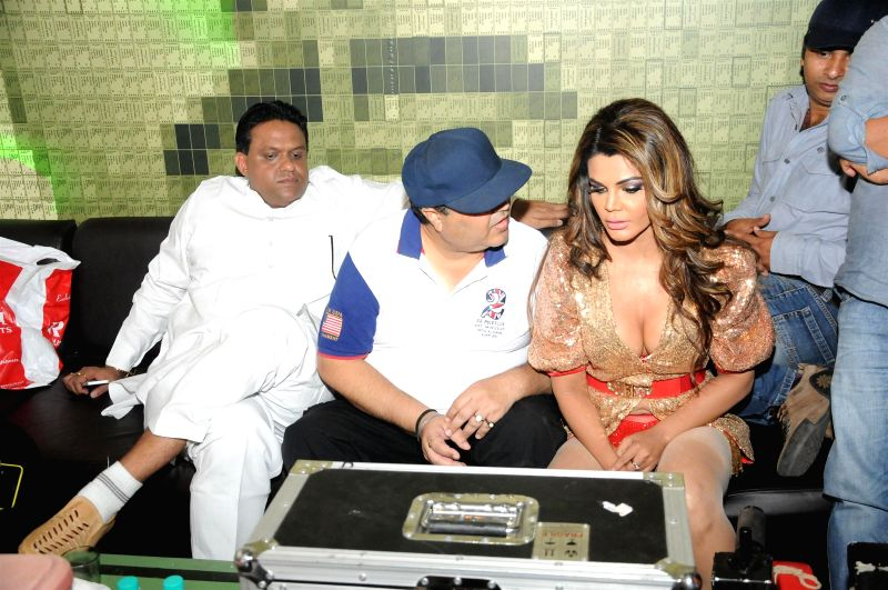 Actress Rakhi Sawant during the on location shoot of Video album of Jaan Bigdela in Mumbai on Wednesday, April 15th, 2015.