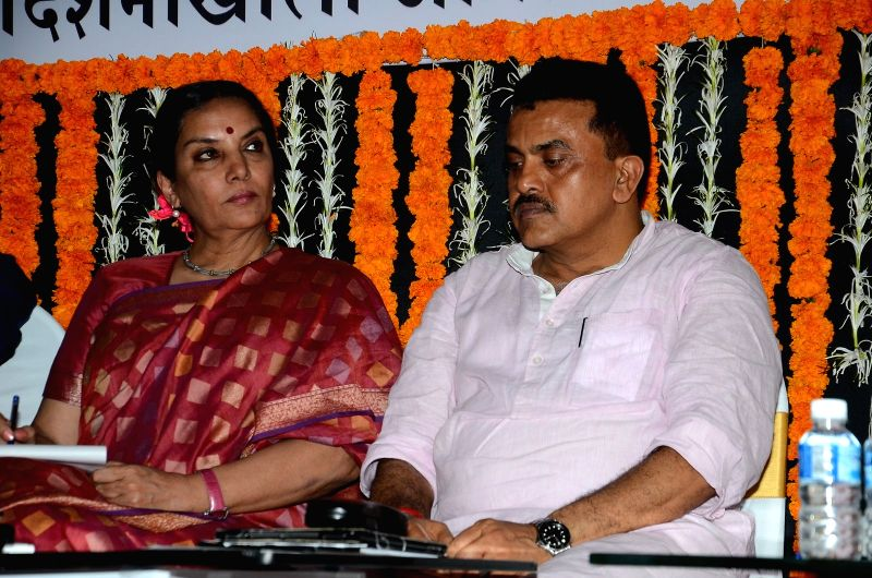 Actress Shabana Azmi and Mumbai Regional Congress Committee (MRCC) president Sanjay Nirupam during an open session discussion on Development Plan 2014 to 2034 organised by MRCC in Mumbai on ... - Shabana Azmi