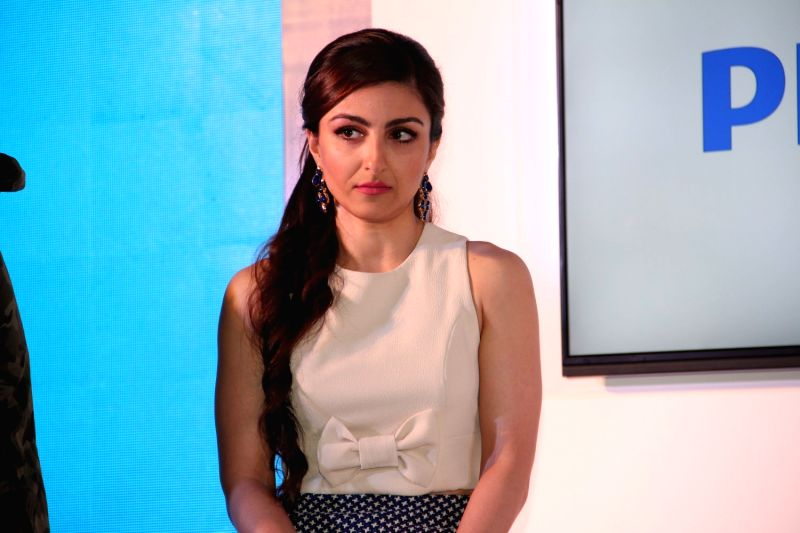 Actress Soha Ali Khan during the launch of latest Philips TV, in Mumbai on 7 April 2015. - Soha Ali Khan