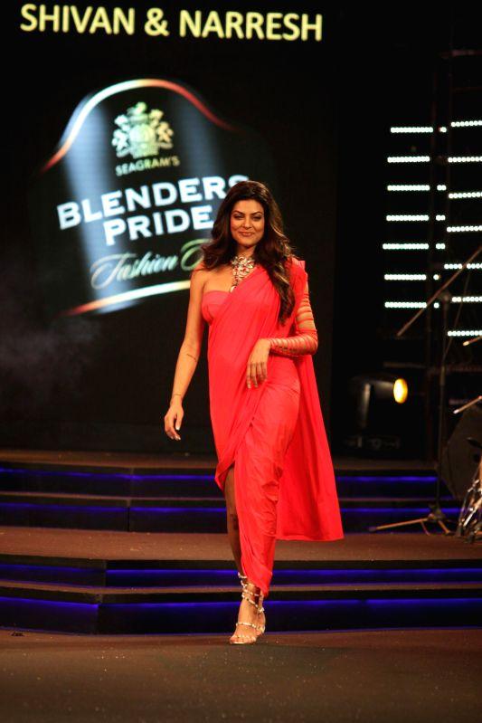 Actress Sushmita Sen displays creation of fashion designers Shiven and Naresh during Blenders Pride Fashion Tour in Mumbai on Sunday, 30th November, 2014 - Sushmita Sen