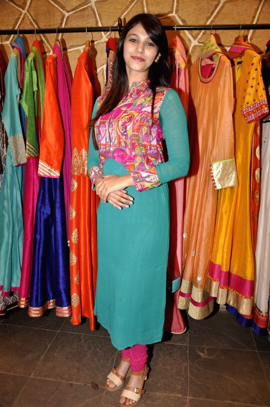 Actress  TV Shamata Anchan at Hue store the festive collection preview in Mumbai on 20th Jan 2015