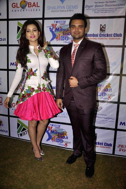 Actress Urvashi Rautela and actor Mahaakshay Chakraborty during the Mitsui Shoji T20 Cricket League 2015 organised by Sagar Samir International and Shaurya Jems in Mumbai, on April 27, 2015. - Urvashi Rautela and Mahaakshay Chakraborty