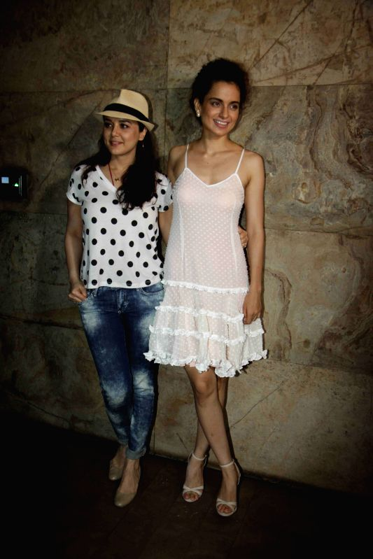 Actressess Preity Zinta and Kangana Ranaut during the screening of film Tanu Weds Manu Returns in Mumbai 20th May 2015 - Preity Zinta and Kangana Ranaut