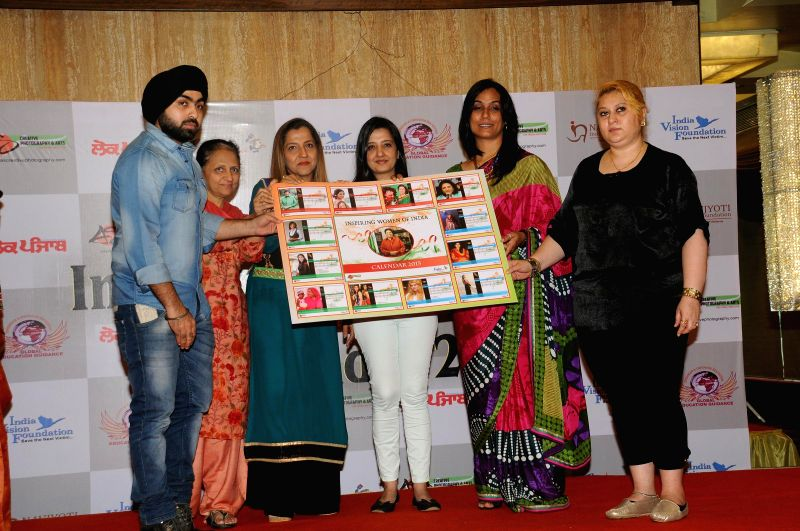 Angad Singh, Seema Sehgal, Prabhjot Raman Khurana, Amy Billimoria, Rupinder Jagdish Shettiger, Parul Chawla Launching Calender during Women Power Calendar Launch 2015 in Mumbai on Jan 17, ... - Angad Singh