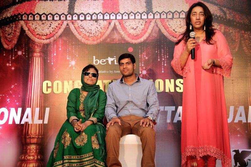 Anu Ranjan with Sonali Mukherjee and Chittaranjan Tiwari during acid attack survivor Sonali Mukherjee and Chittranjan Tiwari, a Jharkhand based electrical engineer marriage celebrations in ...