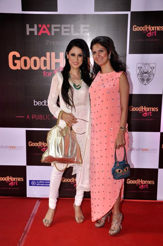 Artist and mural designer Rouble Nagi, Ronitaa Italia Dhanu, Editor, GoodHomes India, during the announcement of the third edition of GoodHomes for Art in Mumbai, on Nov 27, 2014.