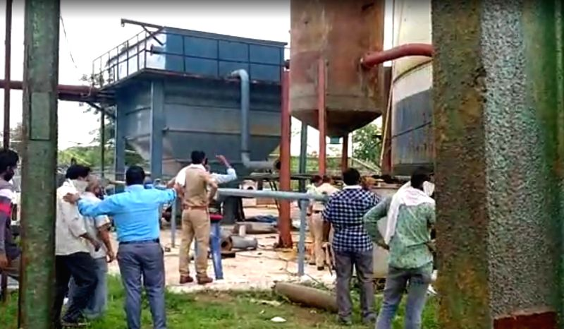 Mumbai: At least five persons were killed in a massive explosion in a boiler that ripped through the Manas Agro Industries & Sugar Ltd. plant at Bela here on Aug 1, 2020. According to an official of Nagpur Rural Police, around 2.14 pm, the blast rock