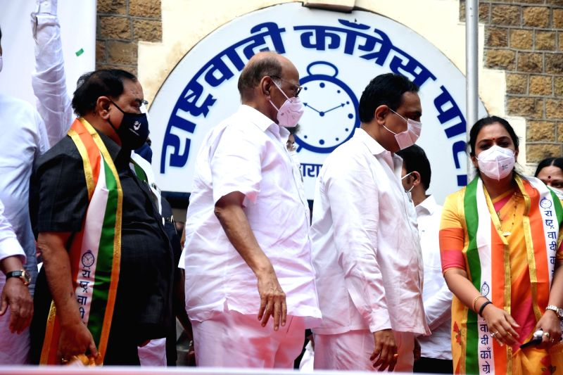 Mumbai: BJP Senior leader Eknath Khadse along with his daughter Rohini Khadse, joined the Nationalist Congress Party in the presence of NCP President Shard Pawar,Maharashtra party President Jayant Patil and party leaders Anil Deshmukh, Jayant Awadh a
