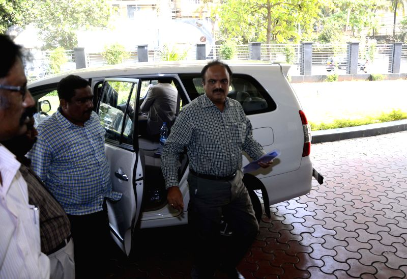 Chhagan Bhujbal's son, Pankaj arrives to appear before Anti Corruption Bureau in connection with corruption allegation on him in Mumbai, on Feb 25, 2015.