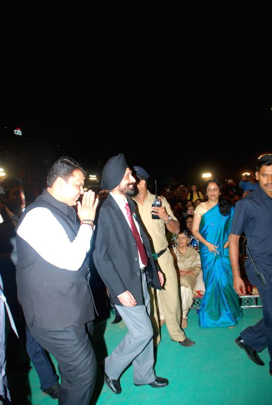 Chief Minister Devendra Fadnavis during singer Sonu Nigam live concert to celebrate Republic Day in Mumbai, on Jan 26, 2015. - Devendra Fadnavis
