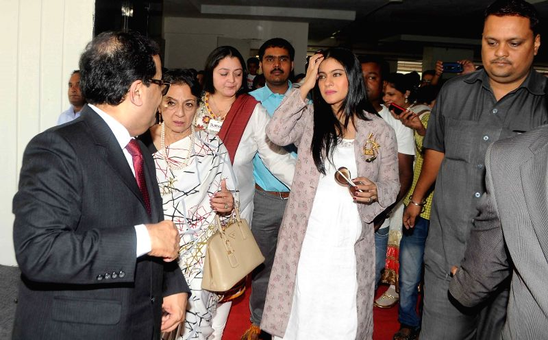 Dr. Avasthi with Kajol Devgn and Tanuja for inauguration of 'Surya Mother & Child Care` Hospital at Wakad in Pune on 5th April 2015. - Kajol