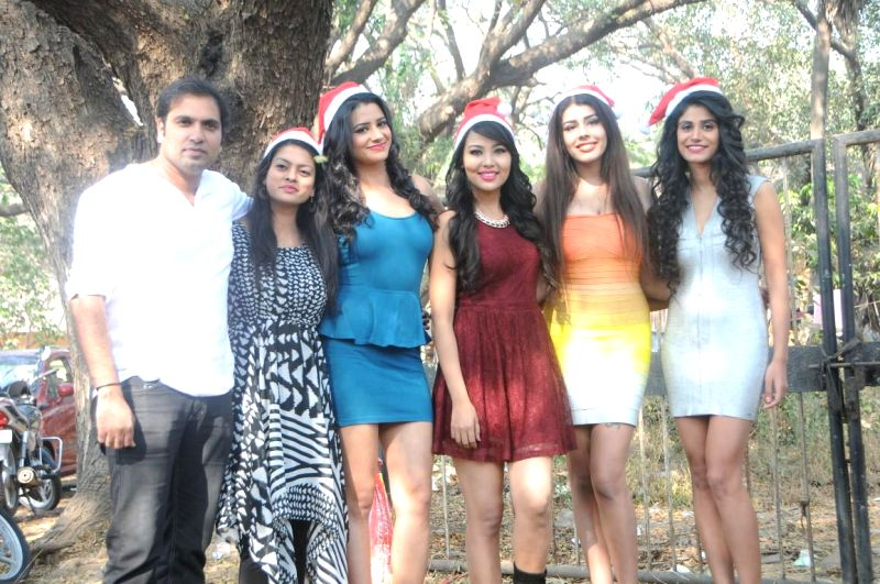 Entire cast of upcoming comedy movie `Hotel Beautifool` during on the location, where the makers were shooting for their last schedule at Sankraman Studio, in Mumbai, on Dec 23, 2014.