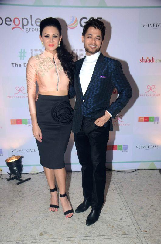Fashion designer Anchal Kumar and Anupam Mittal during their Evolve Digital India fashion show in Mumbai on Feb 27, 2015. - Anchal Kumar