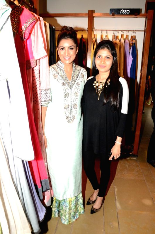 Fashion designer Kanika Kedia and actor Pallavi Sharda during the launch of fashion designer Kanika Kedia's Spring Summer collection 2015 in Mumbai, on March 16, 2015. - Pallavi Sharda