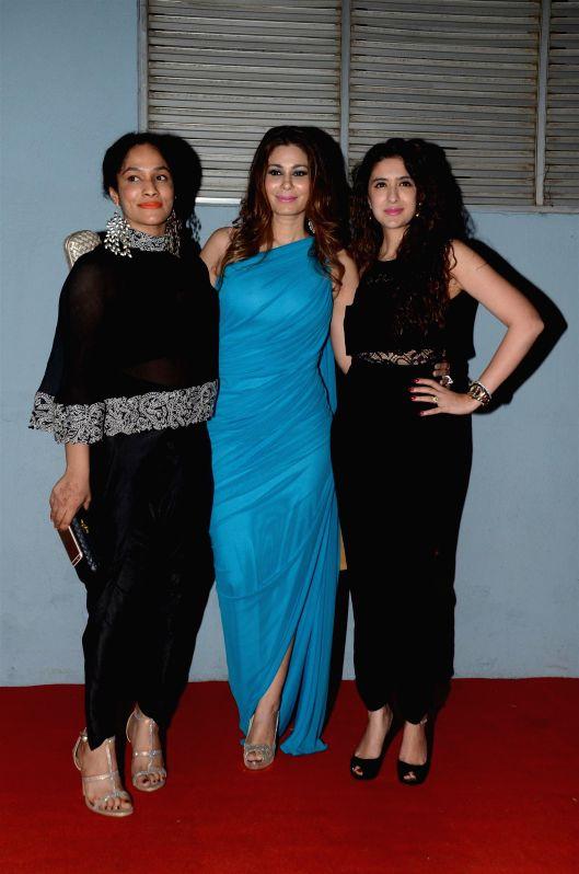 Fashion designer Shaheen Abbas and Masaba during The Artisan Jewellery Design Awards 2014 in Mumbai on Feb 20, 2015.