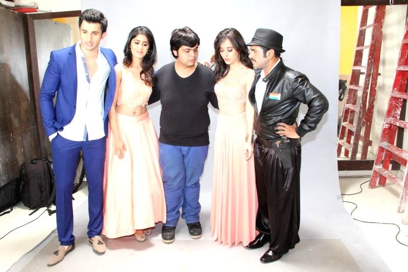 Fashion Shoot With Film Badmashiyan in Mumbai on 12th Feb 2015