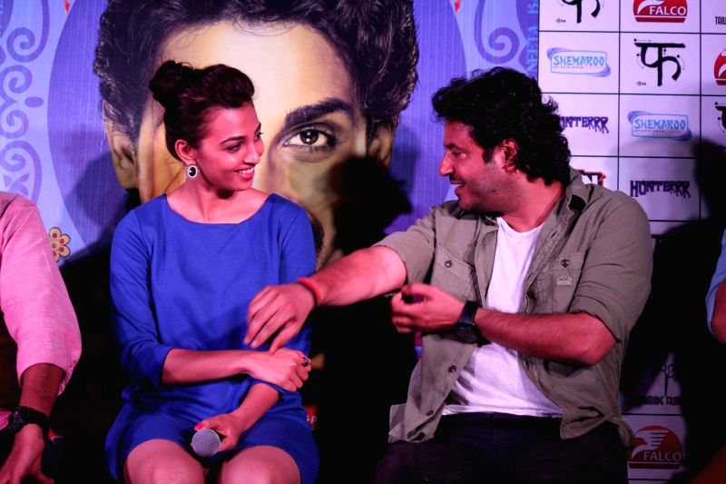 Filmmaker Vikas Bahl and actor Radhika Apte during the press conference of film Hunterrr in Mumbai, on March 26, 2015 - Vikas Bahl
